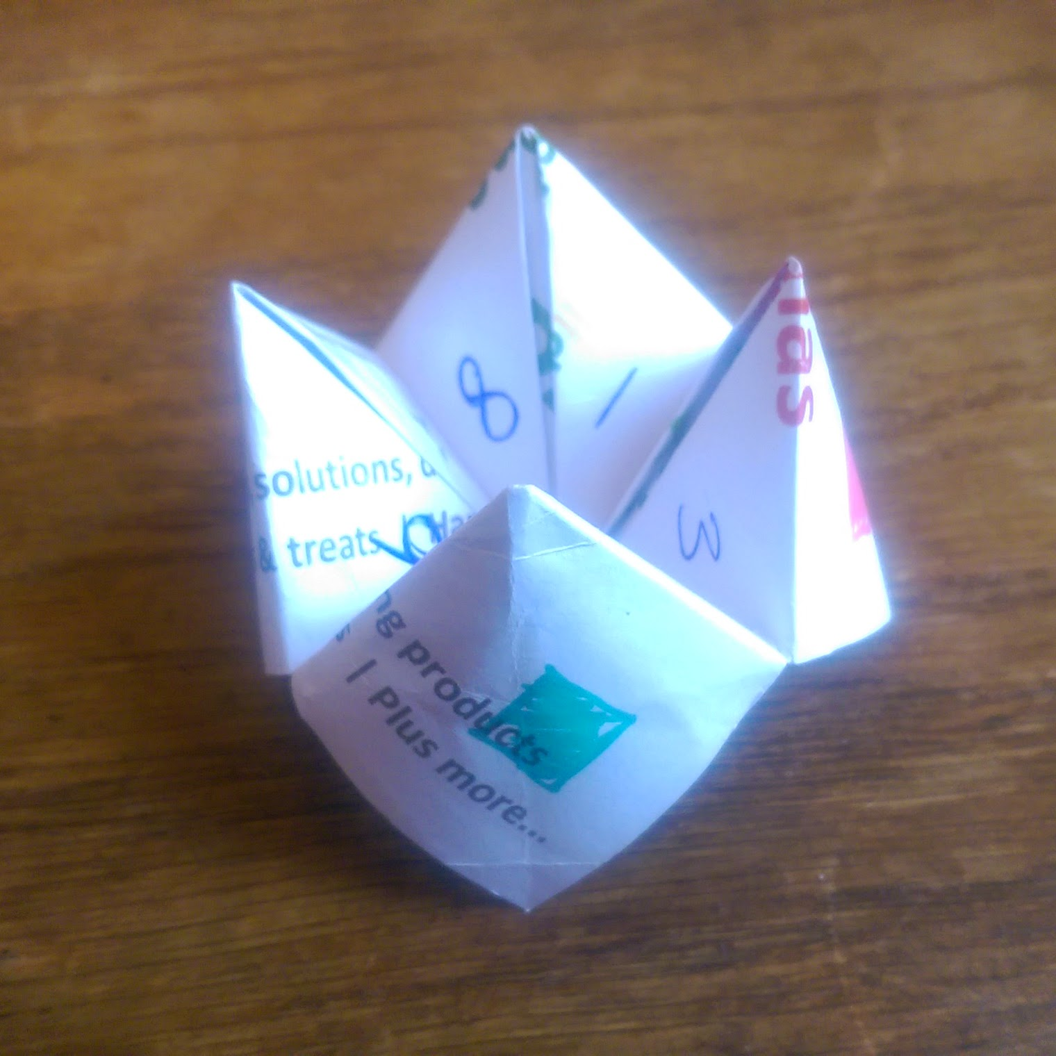 Sustainable Christmas pop-up shop leaflet transformed into a chatterbox