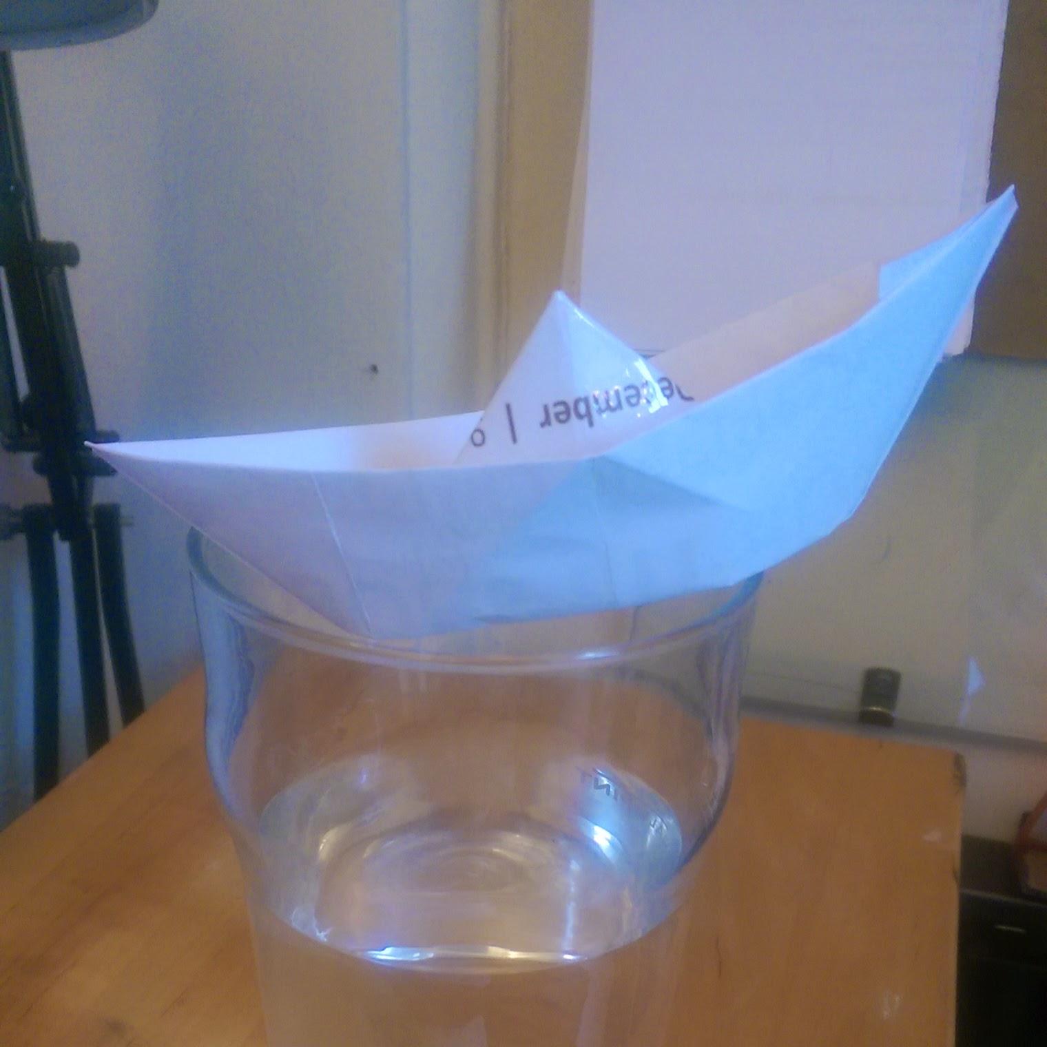 sustainable poo-up shop leaflet paper boat